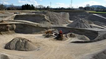 Noch bis 2026 wird in der Grube Untere Rütenen Kies abgebaut. Anschliessend möchte Holcim den Abbau im Gebiet Grossgrüt weiterführen.