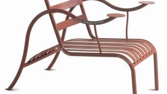 """Den """"Thinking Man's Chair"""" (1986) entwarf der britische Designer Jasper Morrison für die internationale Firma Cappellini. Der Stuhl ist in der Ausstellung """"Jasper Morrison - Thingness"""" im Museum für Gestaltung in Zürich zu sehen."""