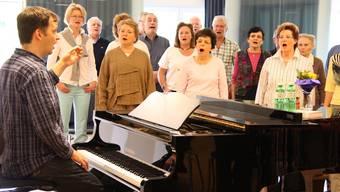 Cäcilienverein und Stadtsänger proben unter der Leitung von Christian Dillig für das gemeinsame Konzert. Markus Christen