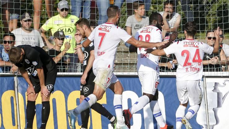 Einmal mehr: Dem Aargauer Klub (links die FCA-Spieler) bleibt im Cup gegen einen Oberklassigen das Nachsehen.