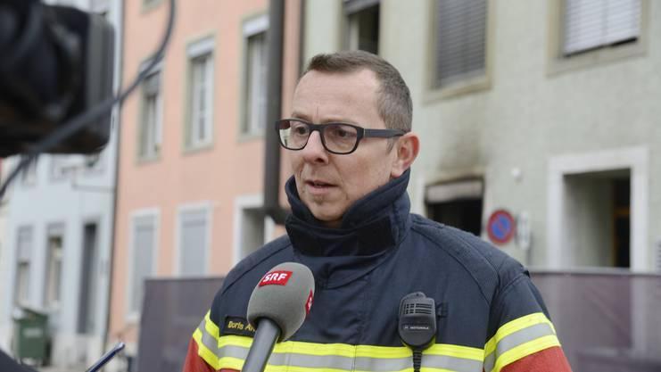 Boris Anderegg, Kommandant der Stützpunktfeuerwehr Solothurn, schildert seinen ersten Eindruck an der Brandstätte