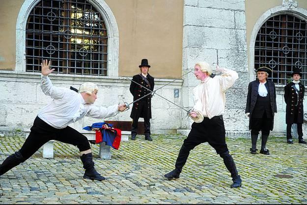 Wirklich passiert: Das Duell zwischen Richard von Sury (Jörg Studer) und Joseph Anton von Besenval (Pascal Estermann).