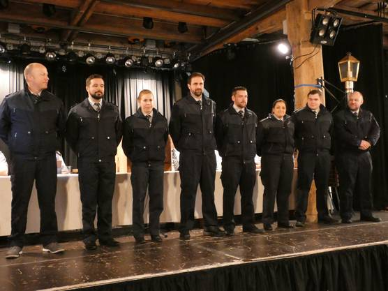 Bei der 155. Generalversammlung des Rettungskorps Brugg gibt es würzige Rippli, gute Gespräche und das Gefühl, dazuzugehören; Beförderungen
