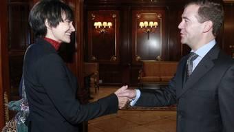 Hat Calmy-Rey den Schlüssel für die Verhandlungen zwischen Dimitri Medwedew und Michail Saakaschwili im Gepäck?