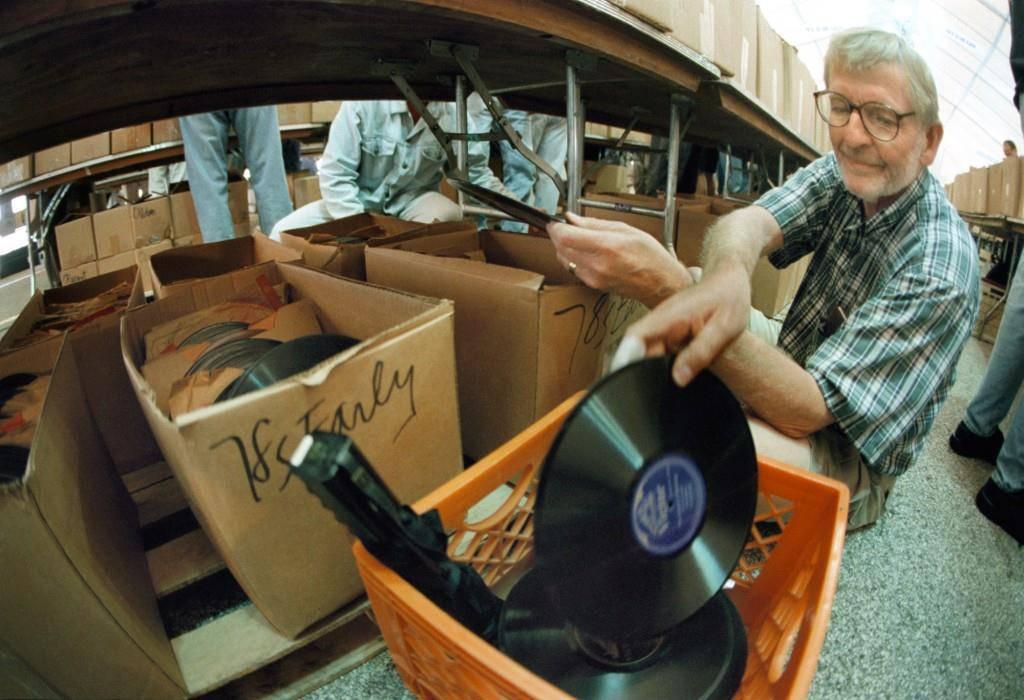 Vinyl - die Erde ist eine Scheibe (© Getty Images)