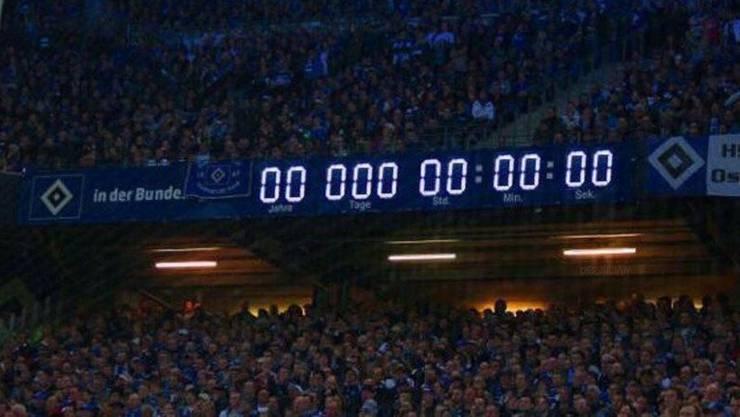 Die legendäre Uhr im Volksparkstadion muss auf null gestellt werden.