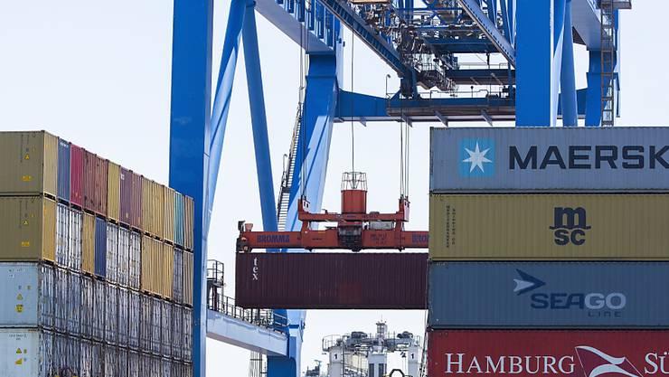 Das US-Defizit im Handel mit China beträgt rund 335 Milliarden Dollar. (Archivbild)