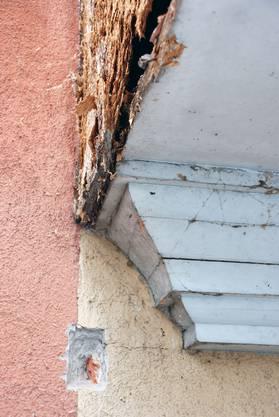 Stadthaus Baden mit schadhaften Stellen
