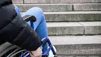 Nicht nur im Kino sind Treppen für Rollstuhlfahrer ein Hindernis