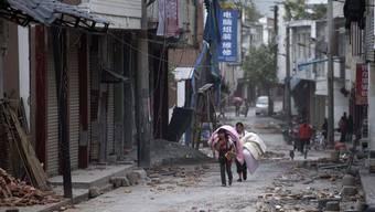 Über 100 Tote, Tausende Verletzte: Starkes Erdbeben erschüttert Teile Chinas