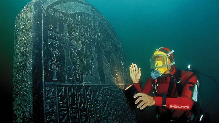 Unter anderem dank der Inschrift auf dieser Stele, die die Forscher um Franck Goddio in der Bucht von Abukir entdeckten, liess sich die versunkene Stadt als Thonis-Heraklion identifizieren.
