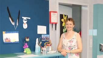 Elsbeth Hänni (59) in ihrem Klassenzimmer im neuen Schulhaus Hueb.