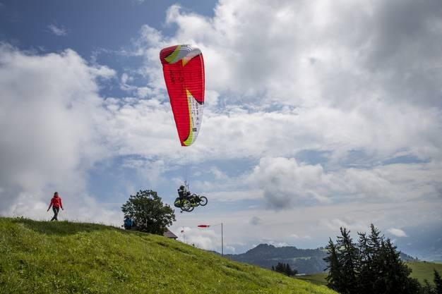 Die Strecken, die er auf der Strecke Weissenstein-Girona fliegen kann, möchte er in der Luft verbringen.