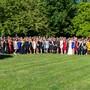 Die Diplomandinnen und Diplomanden der Höheren Fachschule Pflege Olten HFPO in der Herbstsonne vereint.