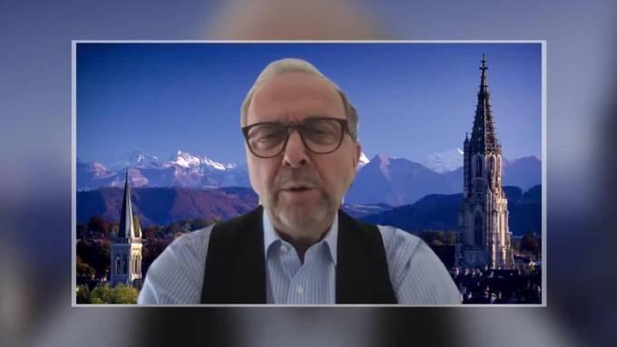 """Prof. Daniel Buser auf dem """"Sofa Jaune"""""""