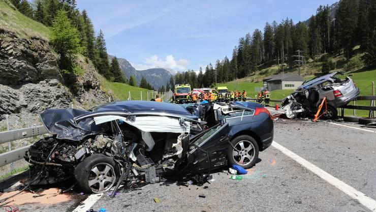 Der Unfall auf der A13 forderte drei Schwerverletzte.