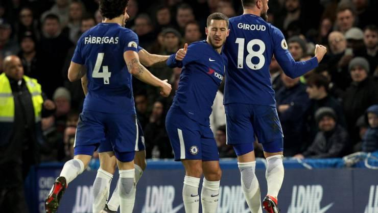 Daumen hoch bei Doppeltorschütze Eden Hazard: Chelsea gewinnt wieder