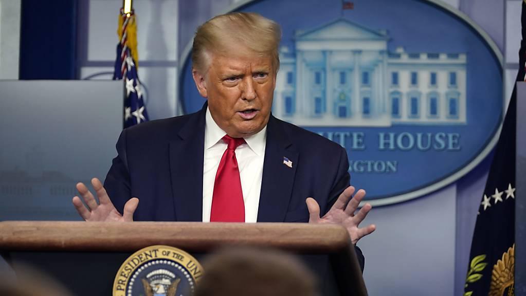 Donald Trump, Präsident der USA, spricht während einer Pressekonferenz im Weißen Haus. Foto: Evan Vucci/AP/dpa