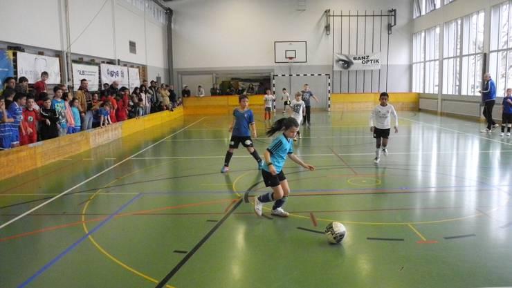 Rund 300 Kinder kickten am letzten Wochenende in den Nordbahnhofturnhallen um Medaillen und Pokale.