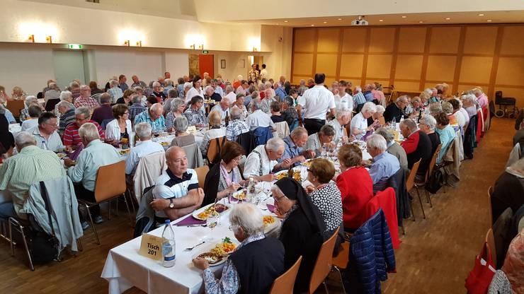 Mittagessen im Restaurant Thurpark, Wattwil