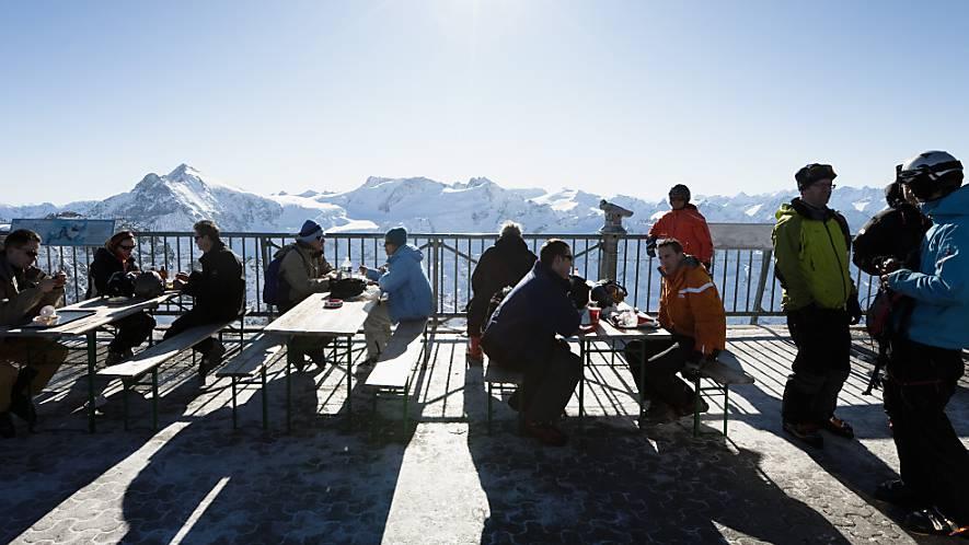 Jetzt öffnen die «Terrassen vor den Terrassen» – Behörden intervenieren
