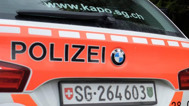 Die Kantonspolizei St. Gallen meldete am Montag den Tod des 76-jährigen Velofahrers. (Symbolbild)