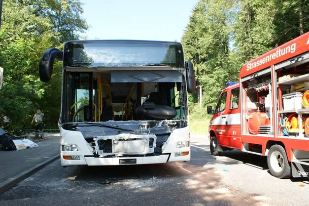 Um 15 Uhr kam es gestern auf der Mellingerstrasse, kurz nach dem Badener Tor Richtung Dättwil, zu einem schweren Unfall.