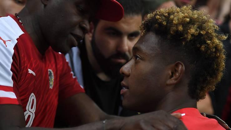 David Alaba wird von seinem Vater George aufgemuntert
