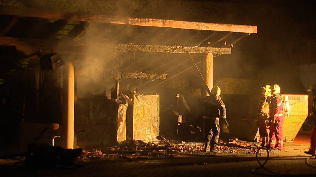 Gasflaschen explodiert? Brand bei der «Lakeside School»
