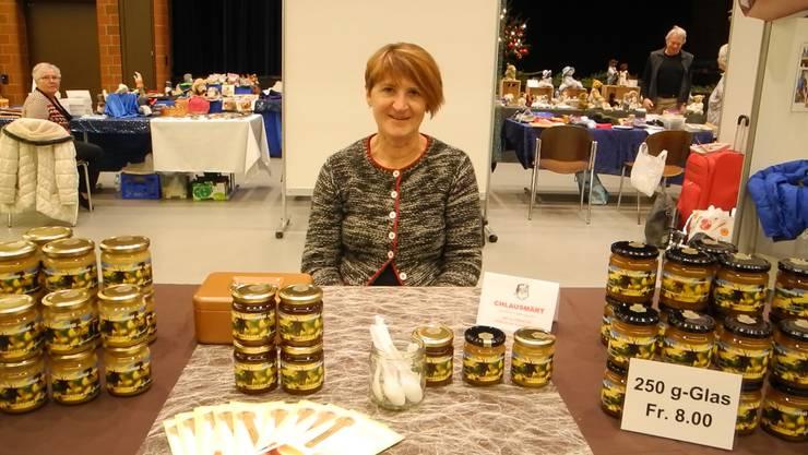 Limmattaler Honig verkauft Brigitte Hilfiker, die in Unterengstringen und Urdorf imkert. Ihre sechs Bienenvölker produzieren jedes Jahr etwa 60 bis 90 Kilogramm Blüten- und Waldhonig. Dieser wird dann unter anderem am Chlausemärt verkauft.