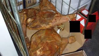 Eine Schmugglerbande hat in der Region Basel über sechs Tonnen Waren illegal über die Grenze transportiert.