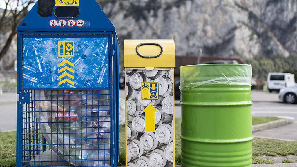Recycling oder weniger Stromverbrauch: Unternehmen können mit ökologischer Nachhaltigkeit nur selten Investoren gewinnen oder den Umsatz steigern, profitieren laut einer Studie aber von Kosteneinsparungen und einer Image-Verbesserung. (Symbobild)