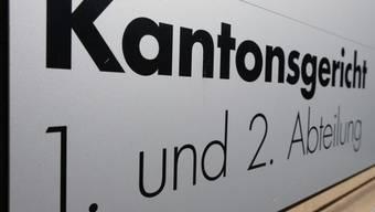 Das Luzerner Kantonsgericht weist ein Ausstandsbegehren gegen einen Richter in der Freistellungs-Affäre um einen Theologieprofessor ab.