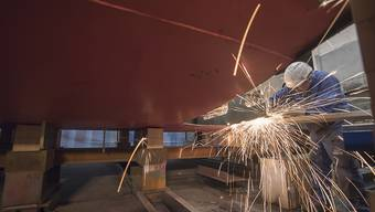 Die Reparaturarbeiten am havarierten MS Diamant sind in der Wert in Luzern im Gang, Ende Mai sollte das Schiff wieder fahrtüchtig sein.
