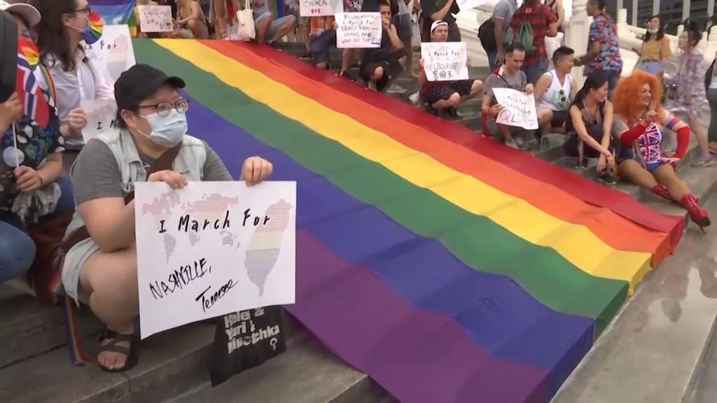 Hunderte marschieren an der LGBT-Parade in Taiwan