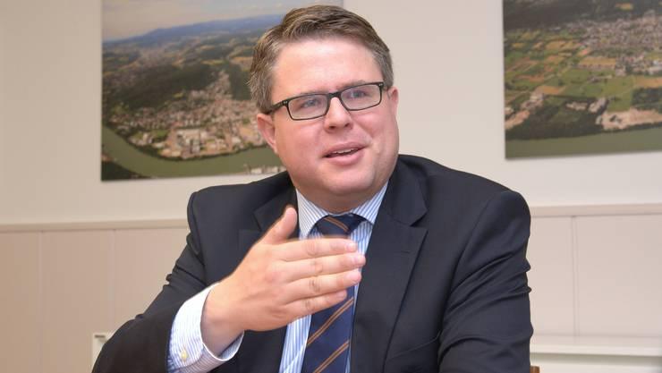Tobias Benz hat die Wahlen 2014 gegen acht Gegenkandidaten im ersten Wahlgang gewonnen.