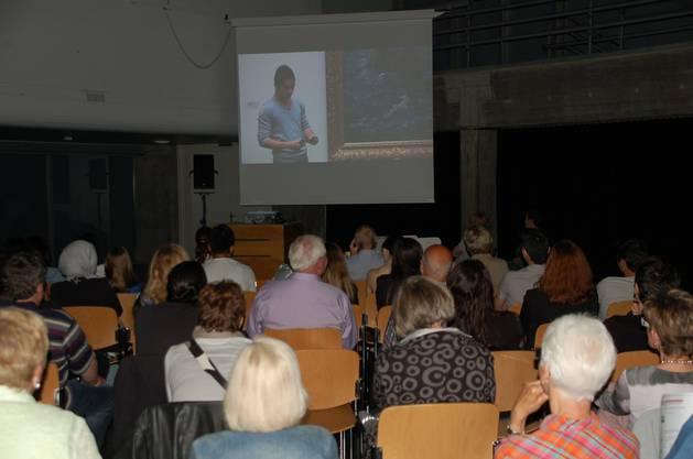 Die Kamera begleitete die Schülerinnen und Schüler beim Besuch des Kunsthauses Zürich