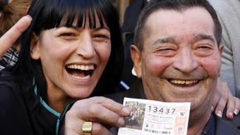 Glückliche Gewinner in La Eliana bei Valencia