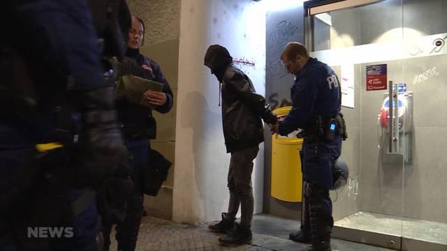 Polizei-Grossaufgebot erstickt Antifa-Demo im Keim