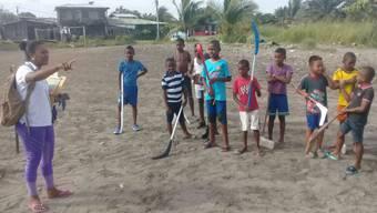 Mit Unihockey gegen Drogen & Kriminalität: Lukas Hohl-Jaramillo will in Kolumbien eine neue Sportart für benachteiligte Kinder einführen.