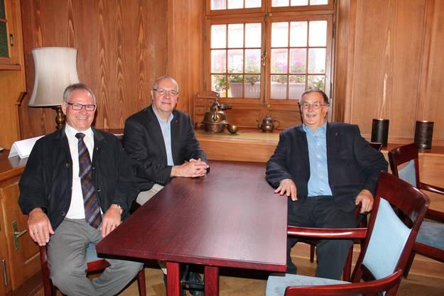 Auch die alt Regierungsräte Erich Straumann, Jörg Krähenbühl und Adrian Ballmer (von links) waren zugegen.