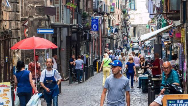 Neapel hat die grösste Altstadt Europas, ist Unesco-Weltkulturerbe – und ein Abenteuer. Nicht nur für die Touristen, auch für seine Bewohner. Foto: Shutterstock