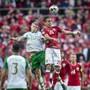 Kopfball-Spezialisten am Werk: Irland und Dänemark trennten sich in Kopenhagen 1:1