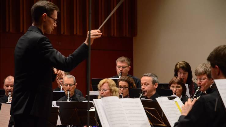 Der Klarinettenchor Wettingen unter der Leitung von Roland Käppeli zog das Publikum in seinen Bann.