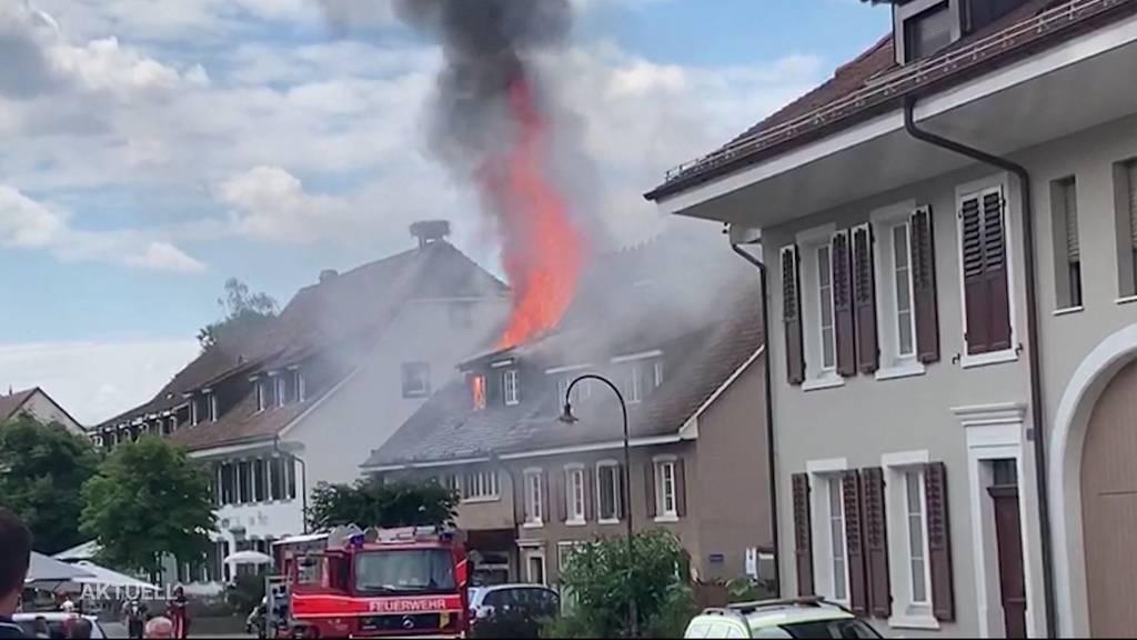 Dorfladen nach Dachstockbrand in Kaiseraugst zerstört