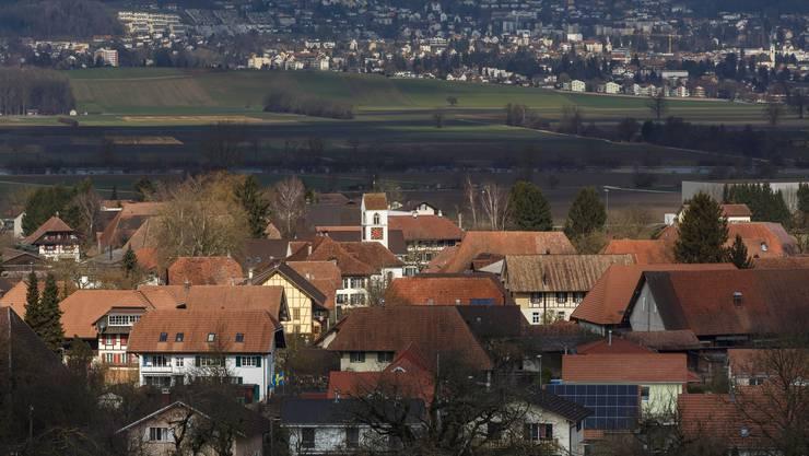 Der Ortskern ist von nationaler Bedeutung: Im BDP-Dorf Rüti bei Büren finden sich besonders viele stattliche Bauernhäuser.