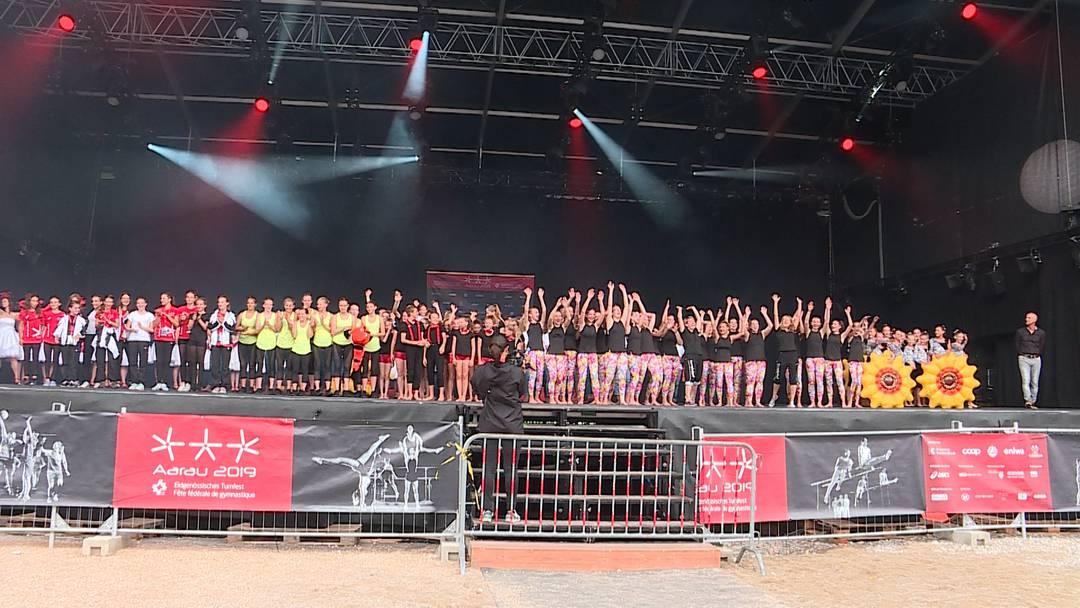 Eidgenössisches Turnfest in Aarau: die Schlussfeier der Jugend
