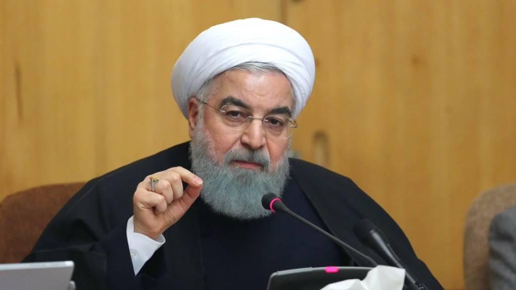 Der iranische Präsident Ruhani will «strategische Differenzen» mit den Hardlinern durch ein Referendum klären. (Archivbild)