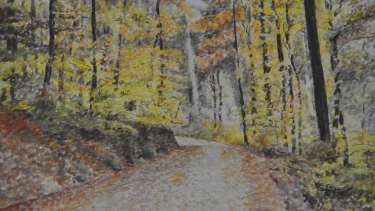 Auch beim Spazieren, zum Beispiel im Wald, gilt es die Social-Distancing-Regeln einzuhalten.