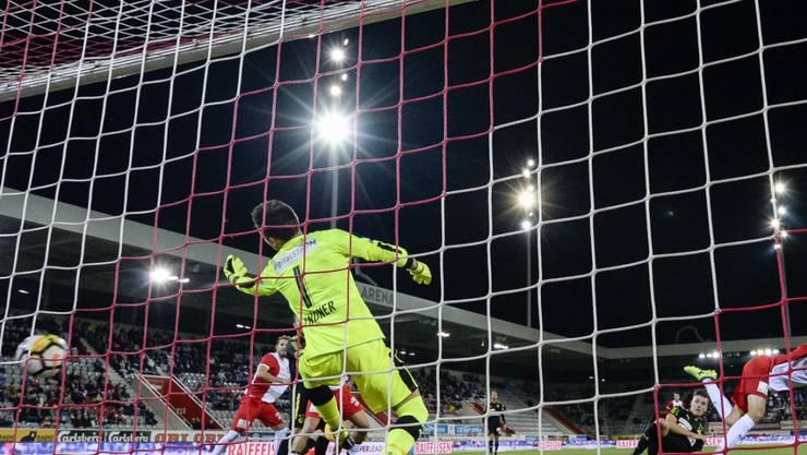 GC-Goalie Heinz Lindner hat gegen Thun zwei Kopfball-Treffer zu beklagen